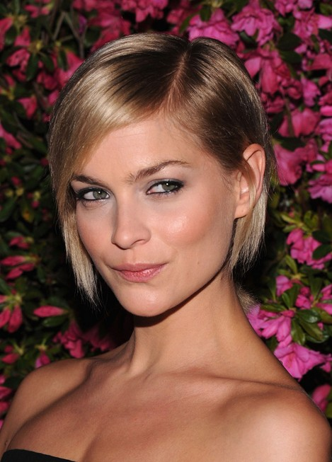 Leigh Lezark Short Hair Style for 2014 - Chic Classic Straight Bob Cut for Fine Hair