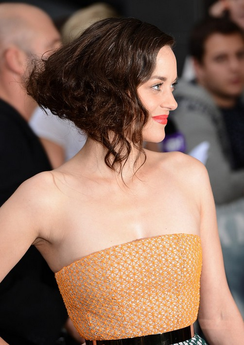 Marion Cotillard Short Hairstyle - Side View of Wavy Curly Bob Hairstyle