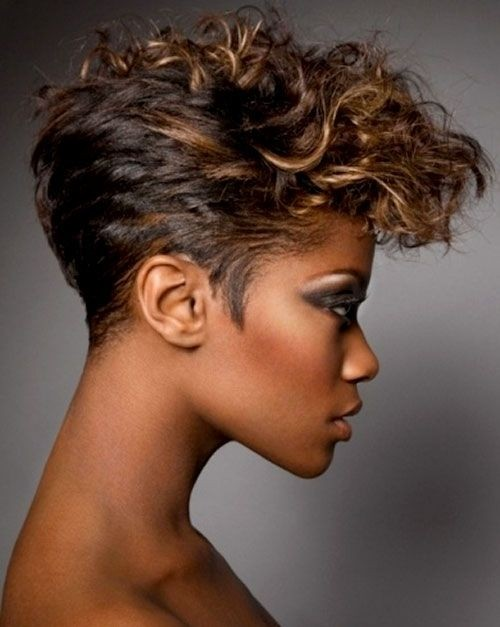 Messy Curly Hairstyle - Short Hairstyles for Black Women