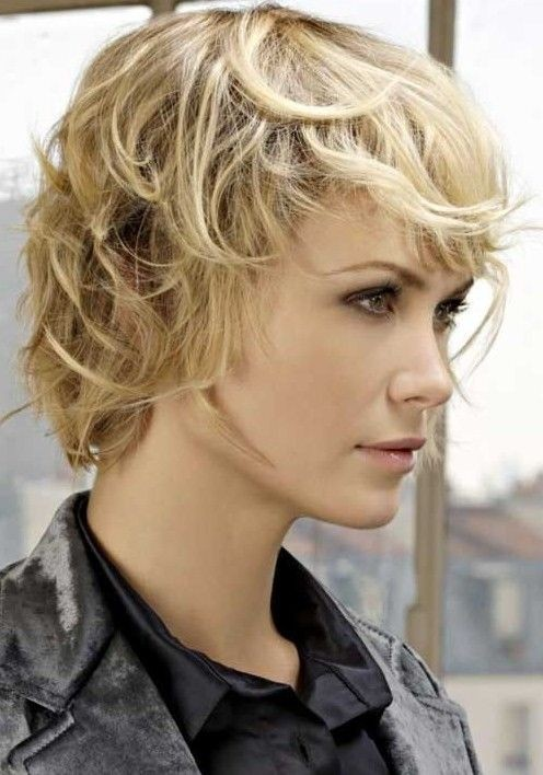 Messy Short Haircut for Blonde Hair - Trendy Short Shag Hairstyles