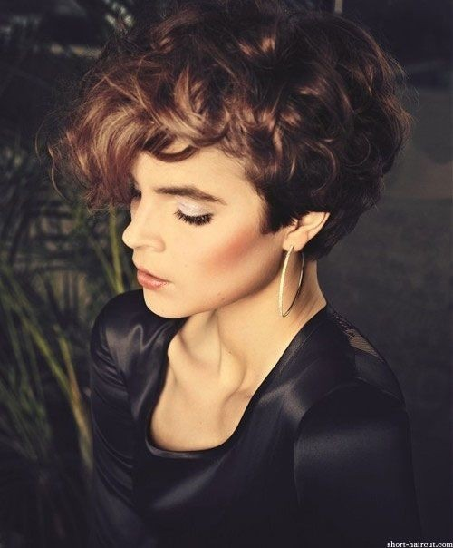 Short Hair Styles for Curly Hair / Pinterest