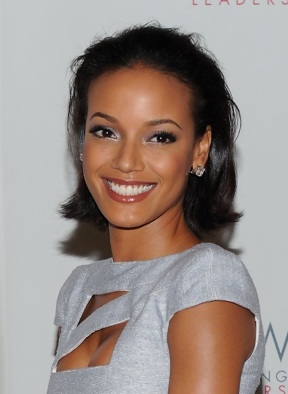 Selita Ebanks Simple Easy Short Daily Hairstyle for Black Women