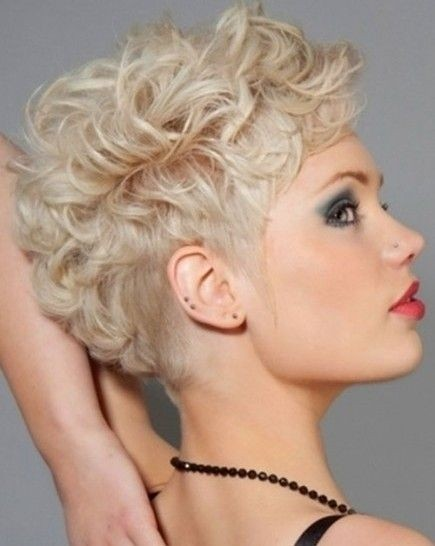 Short Hairstyles For Curly Hair Women 48