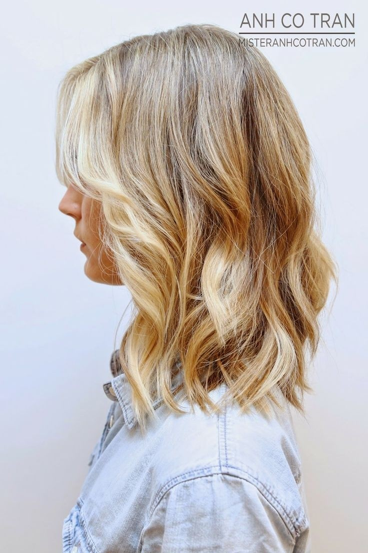 Side View Of Latest Most Popular Medium Wavy Hairtyle 2015 Styles