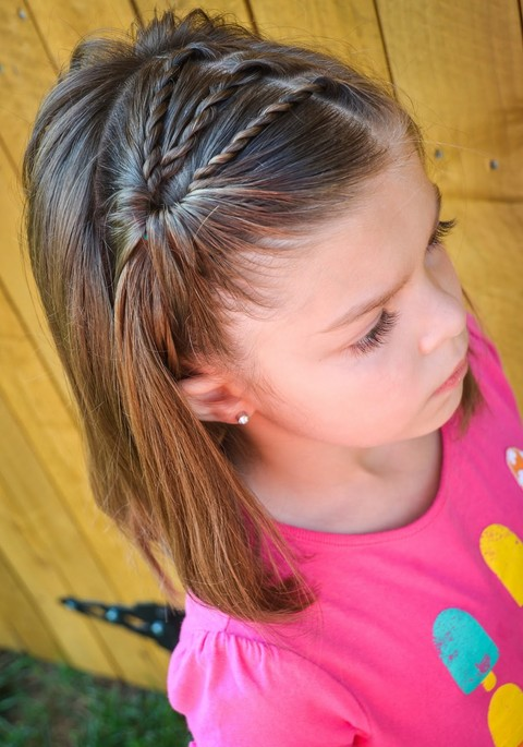 3 Twists Side Pony for girls