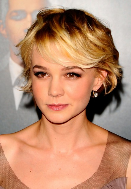Carey Mulligan Layered Short Bob Haircut with Messy Bangs