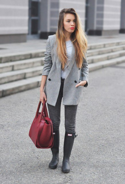Chic Grey Outfit Idea for Any Occasion