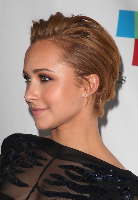 Hayden Panettiere Short Straight Haircut for Women 2015
