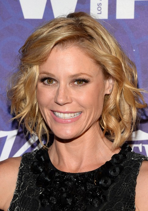 Julie Bowen Blonde Thick Hair for Short Hair