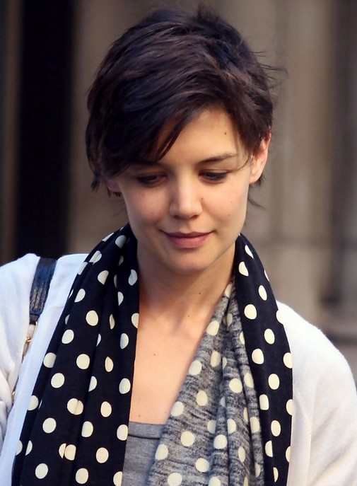 Katie Holmes Short Pixie Haircut /Getty images