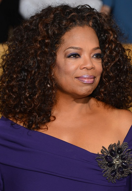 Oprah Winfrey Latest Shoulder Length Curly Hairstyle for Black Women