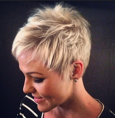 Shaggy Short Haircut for Women - Short Straight Hairstyles