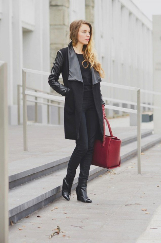 Stylish Black Outfit with Red Handbag