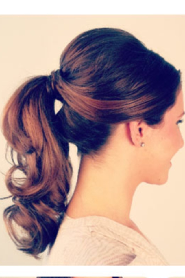 Lovely Ponytail Hairstyles for Curly Hair | Styles Weekly