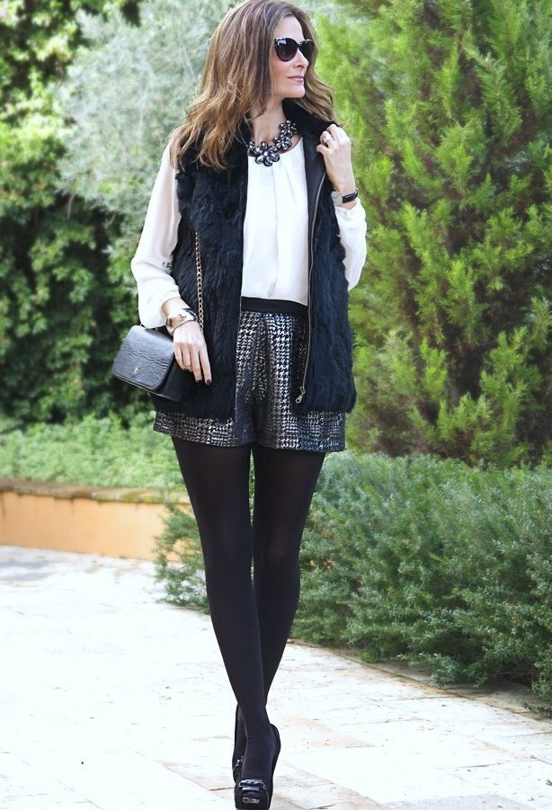 Chic Black and White Outfit for Work