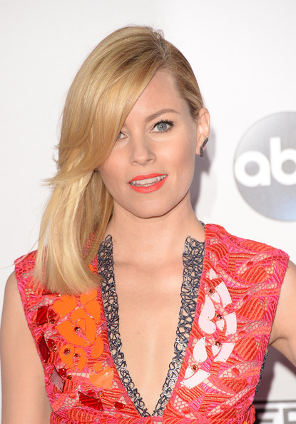 Elizabeth Banks Layered Side Sweep Hairstyle