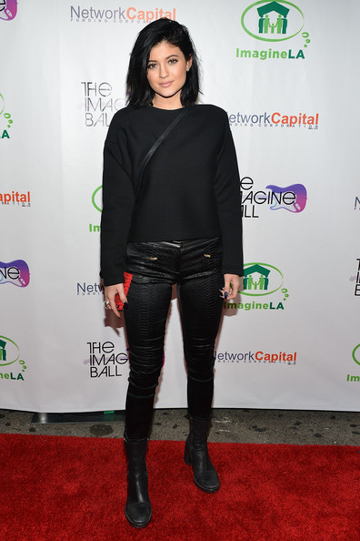 Kylie Jenner All Black Outfit With Leather Pants
