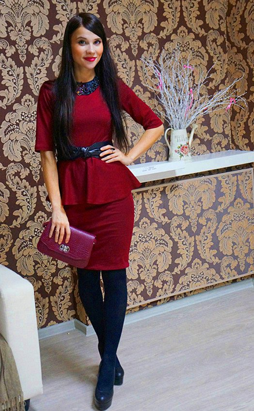 Simple Maroon Dress Outfit Idea