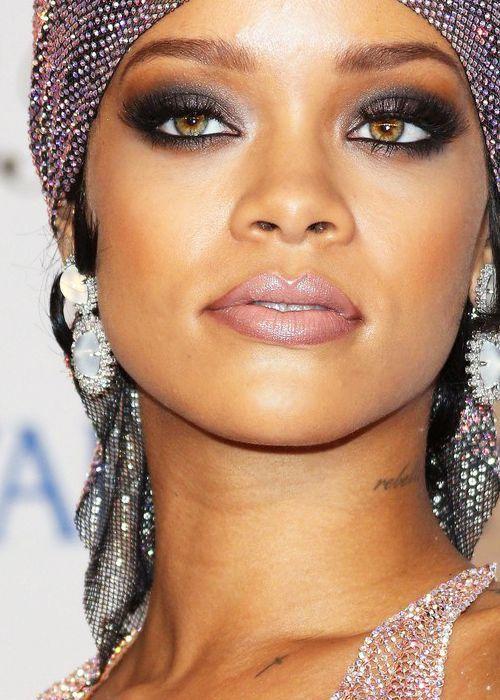 Smoky Eye Makeup Look for Hazel Eyes