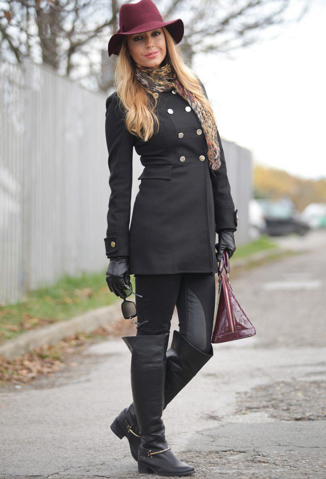 Black Outfit Idea with A Hat