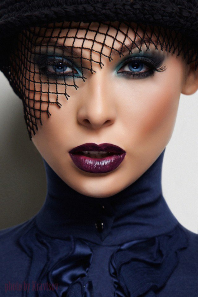Blue Smoky Eye Makeup with Purple Lipstick