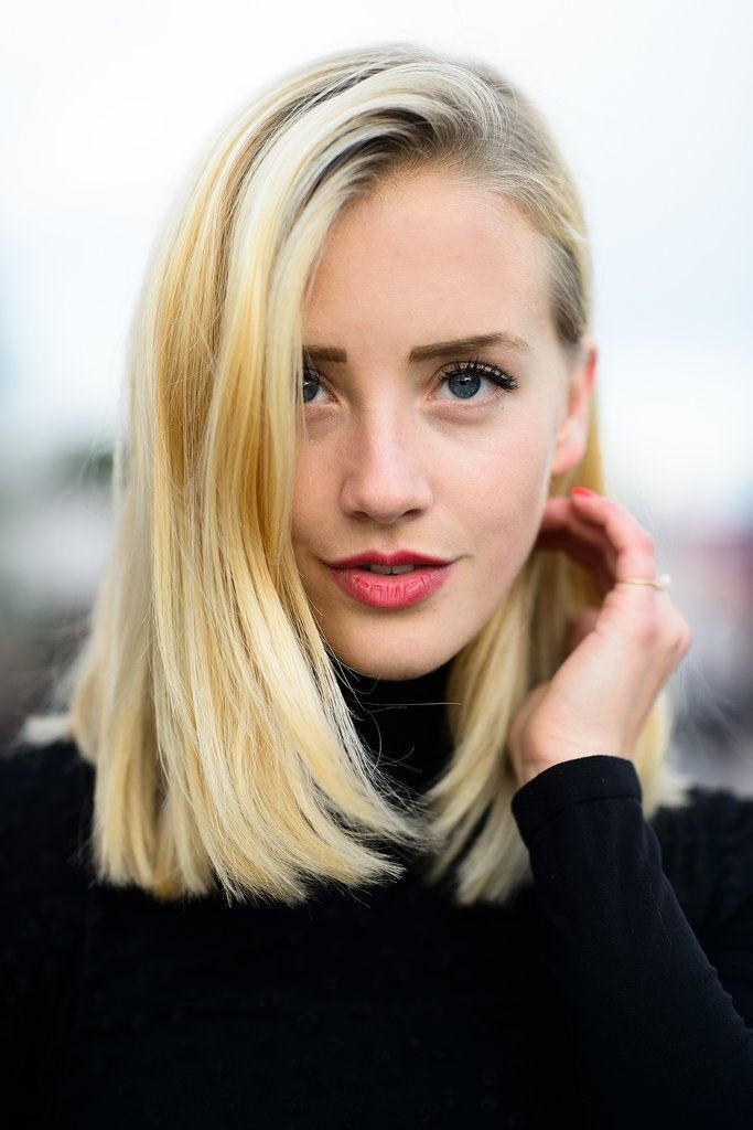 Blunt Blonde Medium Bob Haircut for Spring