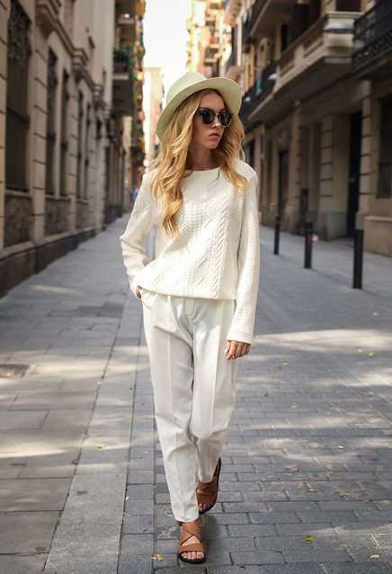 Chic All White Outfit Idea