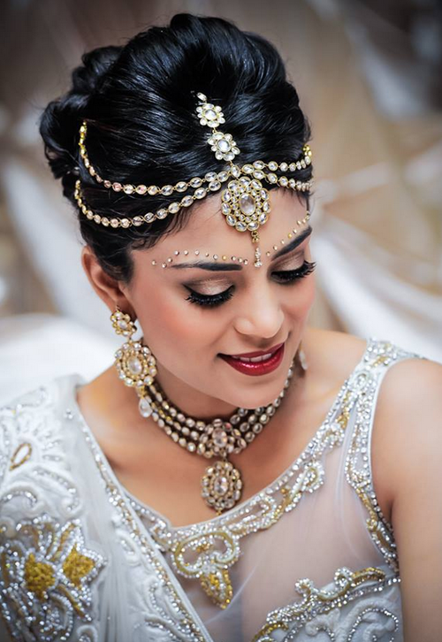 Fine Indian Style Makeup And Hairstyle Looks For Brides Styles Weekly Hairstyles For Women Draintrainus