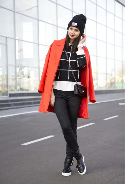 Comfy Outfit Idea with Red Coat