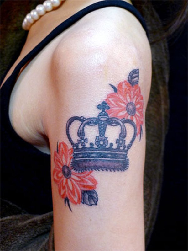 romantic crown tattoo for women forty eight crown. Black Bedroom Furniture Sets. Home Design Ideas