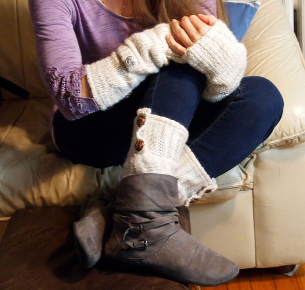 DIY Buttoned Leg Warmer Tutorial