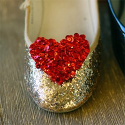 DIY Glitter Shoes with A Heart