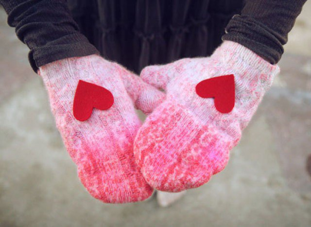 DIY Ombre Gloves with Heart
