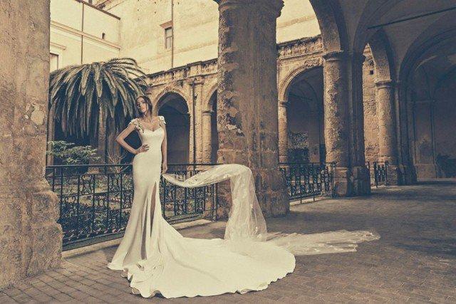 Elegant Wedding Dress by Julia Kontogruni