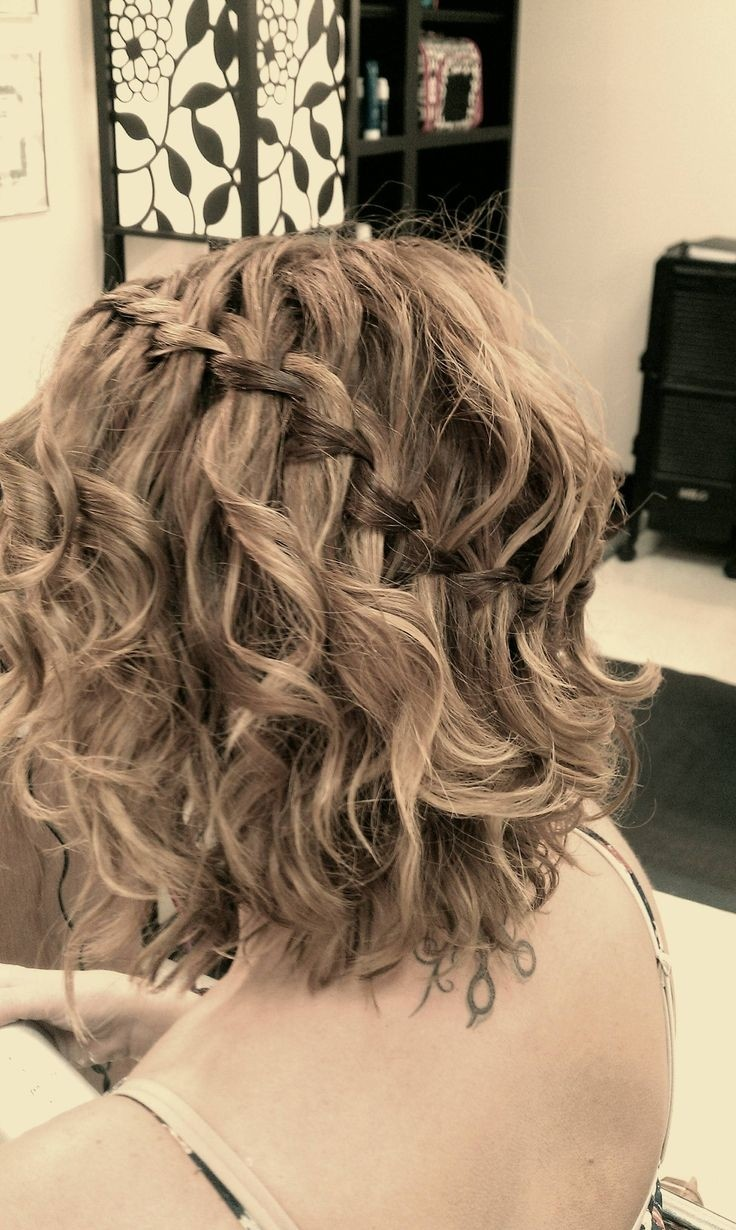 Everyday Hairstyle For Curly Hair : Popular medium hairstyles for women mid length