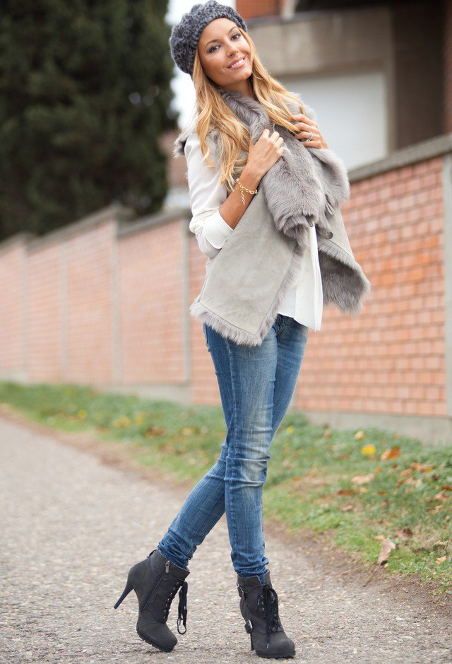 Grey Outfit with Jeans