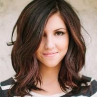 Fashionable medium length hairstyles 31