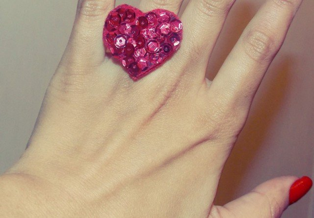 Lovely DIY Ring for Valentine's Day