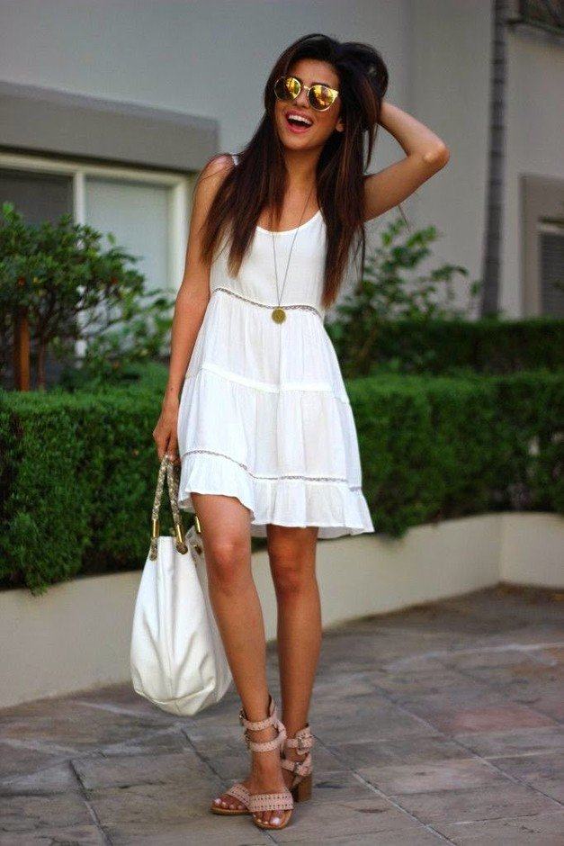 Lovely White Outfit Idea