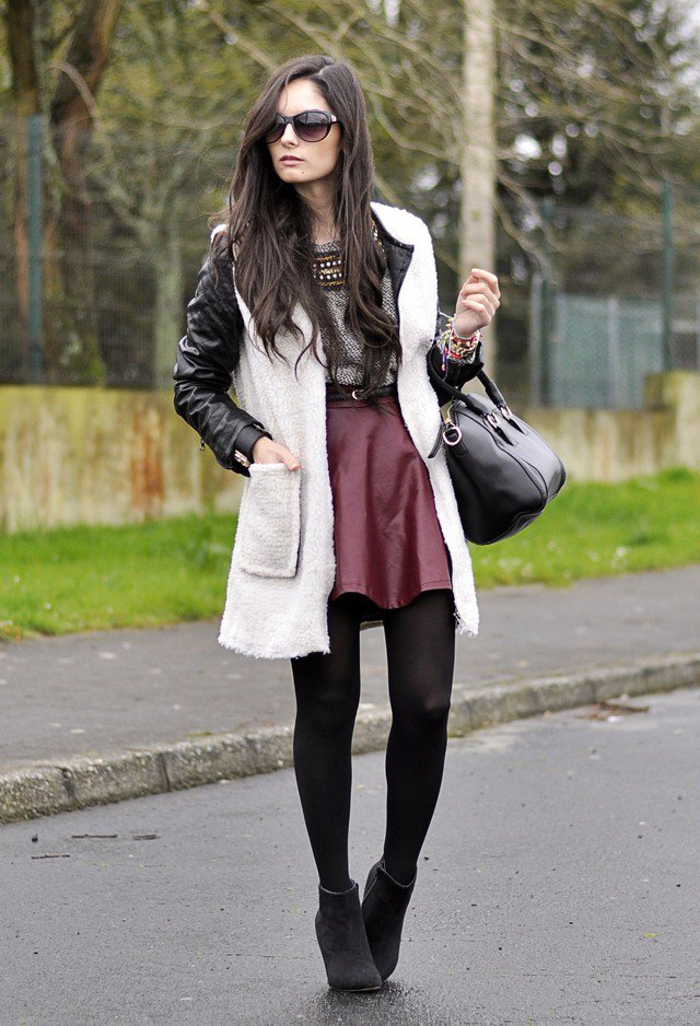 Maroon Skirt Outfit Idea
