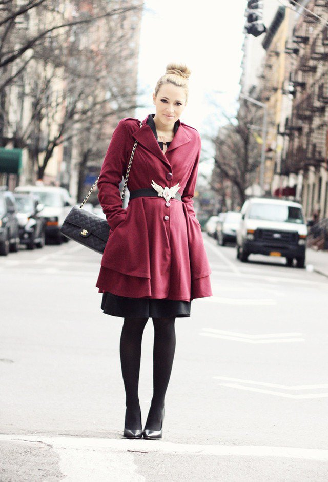 Pretty Maroon and Black Outfit Idea