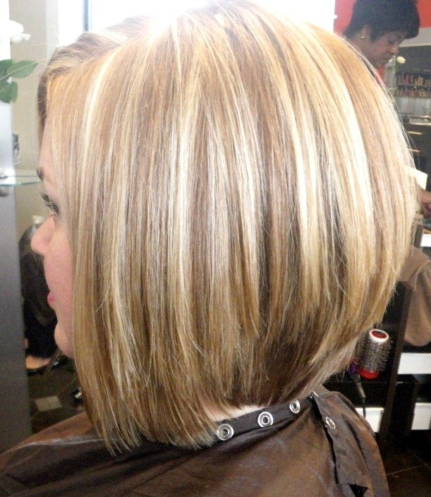 Pretty Straight Bob Hairstyle for Medium Hair