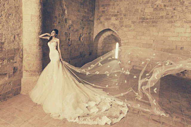 Romantic Wedding Gown by Julia Kontogruni