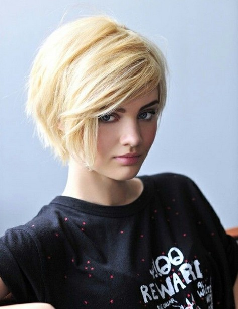 Side-parted Short Haircut for Blonde Hair