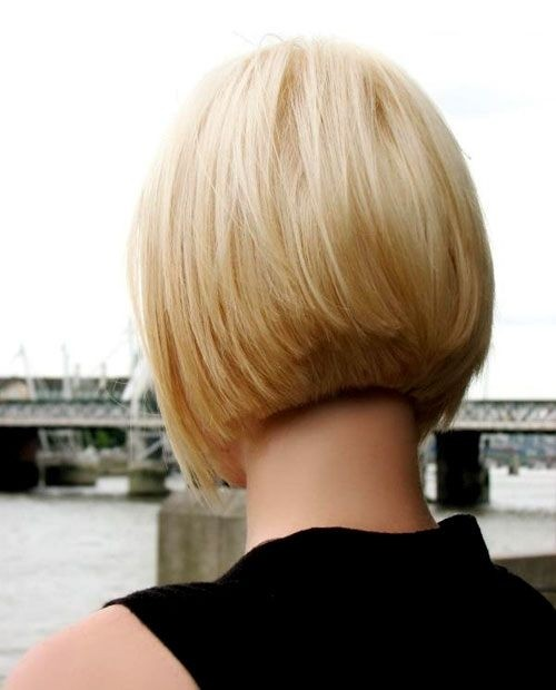 Straight Bob Hairstyle with Blunt Ends