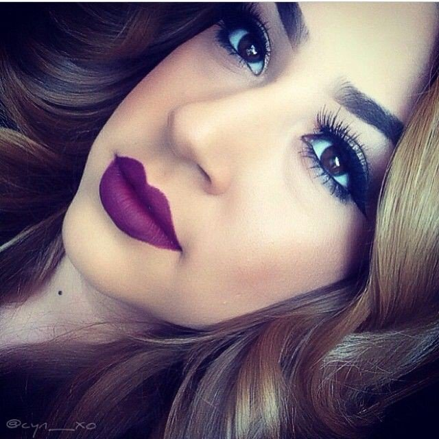 Stunning Purple Lipsticks Makeup Idea