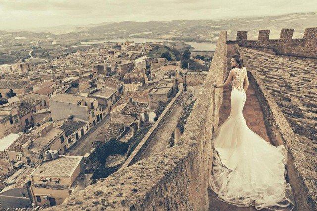 Stunning Wedding Gown by Julia Kontogruni