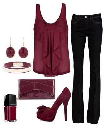 The Fabulous Dark Purple Outfit Look. Purple Top, Skinnies and Purple Pumps