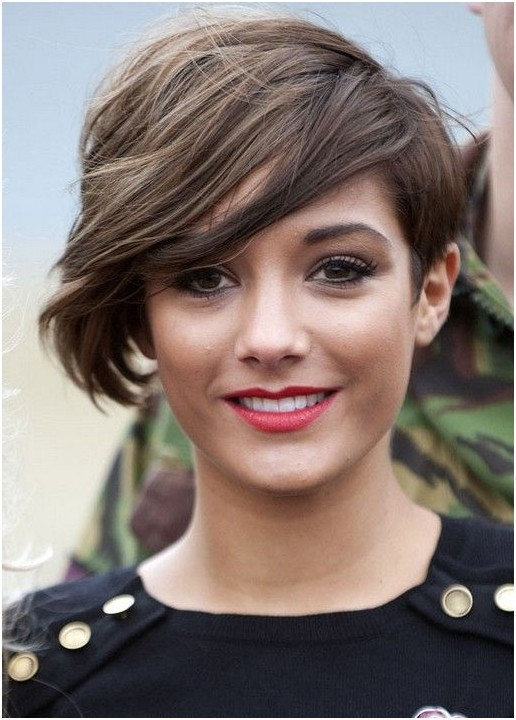 Pixie Haircut for Side Long Bangs: Short Hairdos