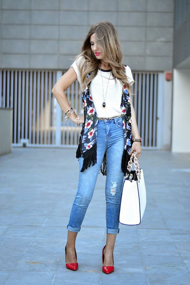 Fashionable Summer Jeans Outfit Idea